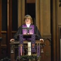 Rev. Lynn Santulli