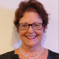 Julie Nitz